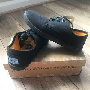 BNIB TOMS Black Paseo Sneakers